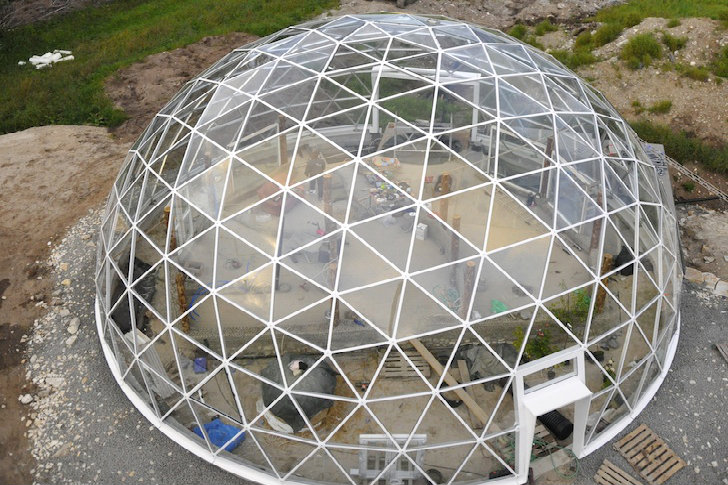6-Crazy-Green-Homes-Solar-Geodesic-Dome